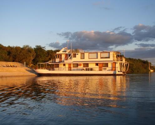 Dorado River Cruiser 1